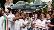 India's Modi faces calls for resignation over French jet deal