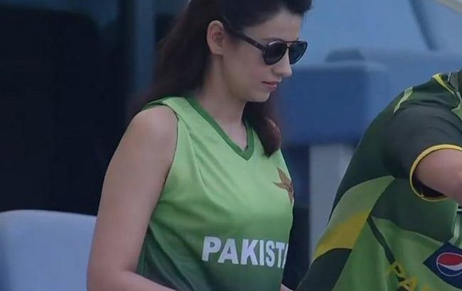 2018 Asia Cup Pakistani girl continues 'consistent' appearances, takes social media by storm
