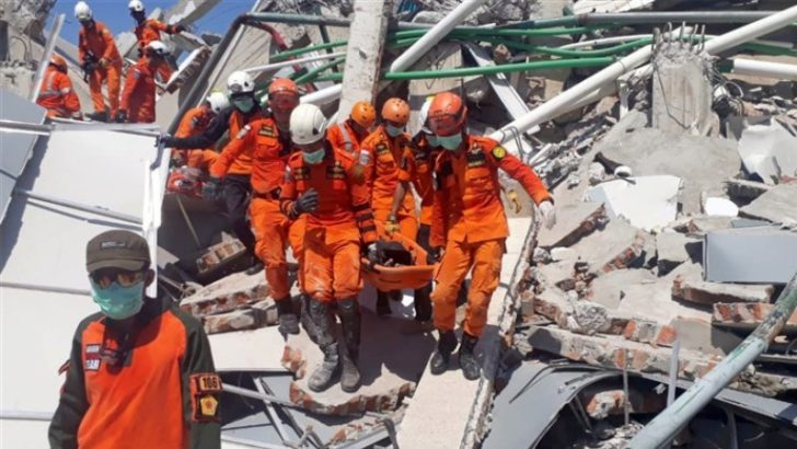 Indonesia earthquake death toll climbs to 832