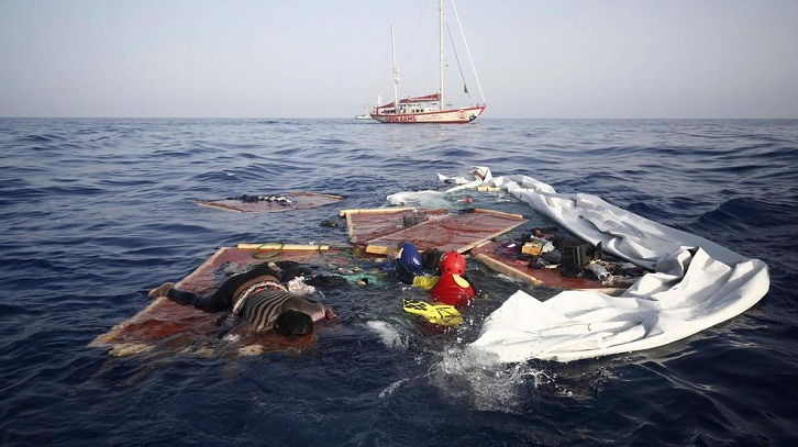 Migrant boat capsize leaves 8 dead, 25 missing off Turkey