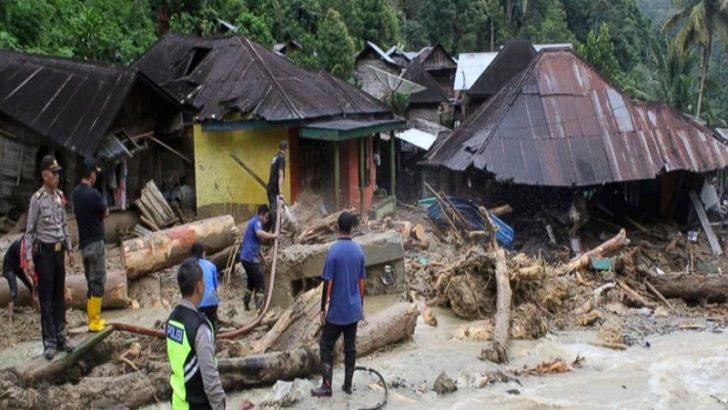 27 dead in floods, landslides on Indonesia's Sumatra island